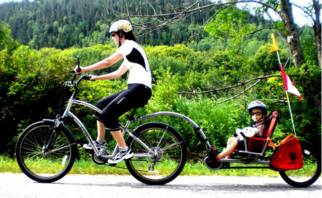 Lindsay and Gage on a bike vacation in Québec