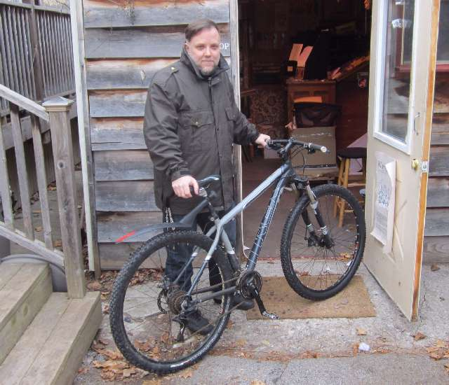 Jeff and his trusty workhorse Trek ride